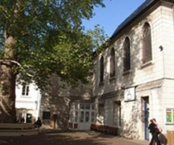 Ecole primaire et collège à Tours